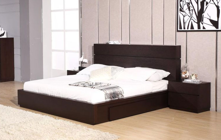 Exclusive wood platform and headboard bed with extra for Exclusive beds