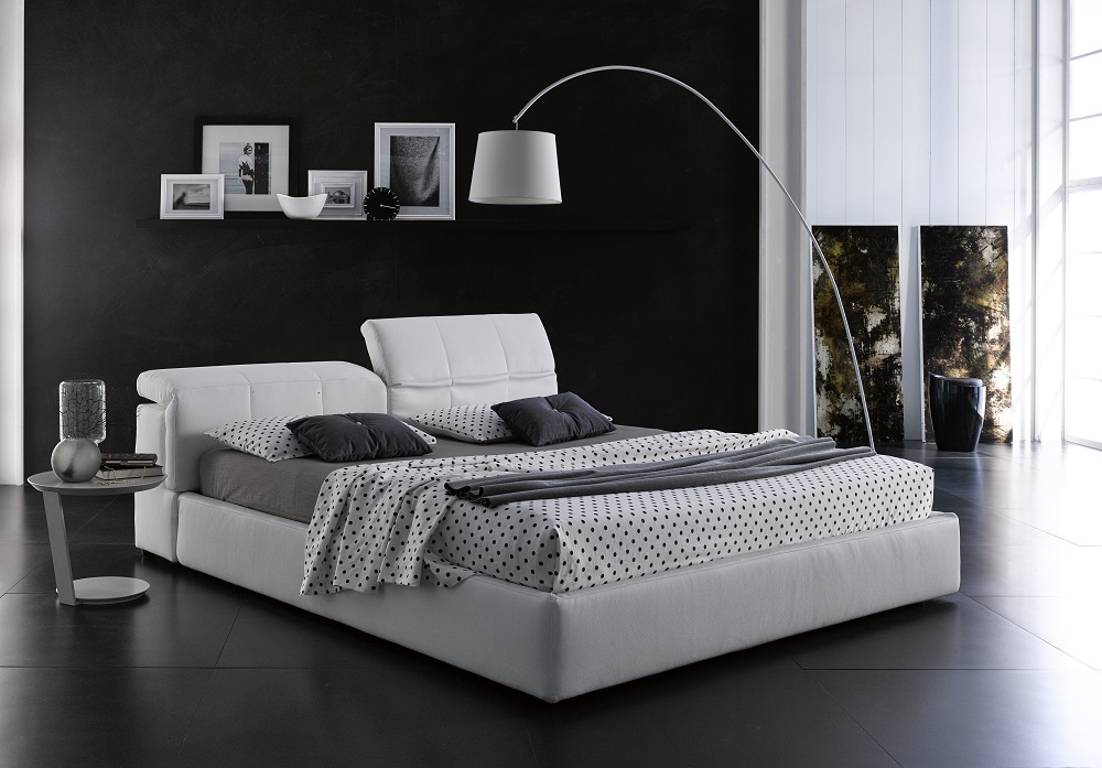 Made in Italy Leather Platform and Headboard Bed Hollywood