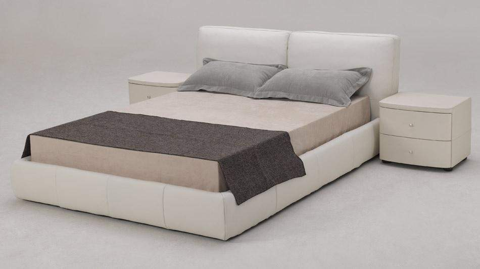 White Leather Platform Bed 950 x 532