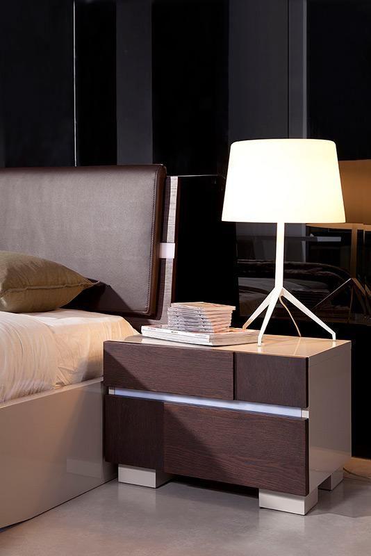 Fashionable Leather Luxury Platform Bed With Floating