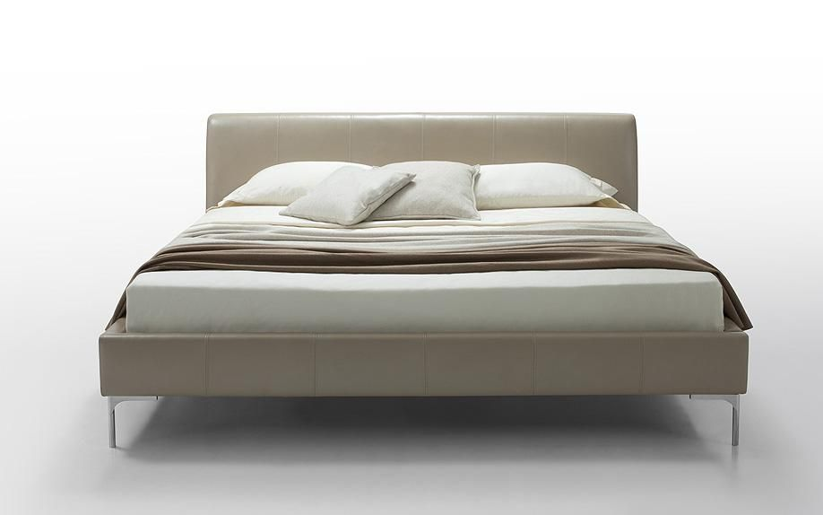 Modern Leather Platform Beds 918 x 574