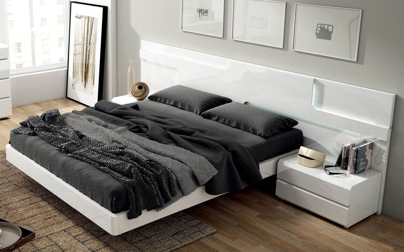 Lacquered Made in Spain Wood Modern Platform Bed with Extra Storage